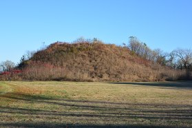 Native American ceremonial and burial mound - a very common sight for us along the Mississippi